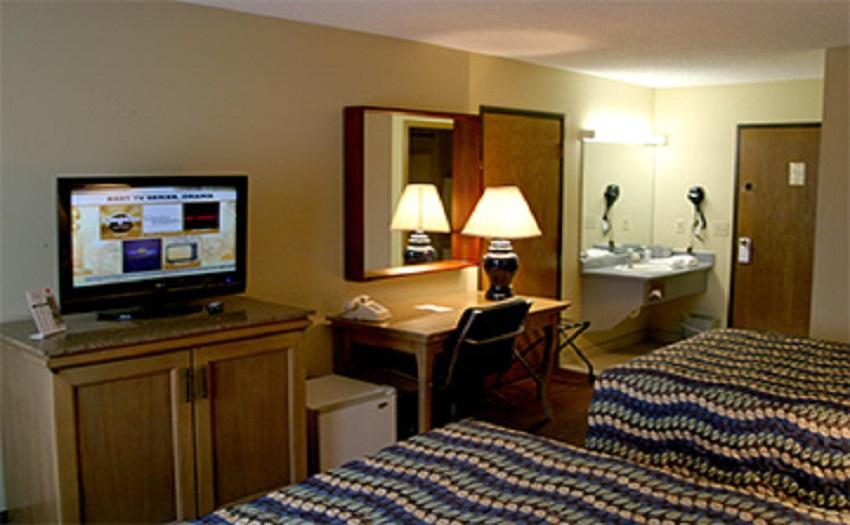 Riverside Inn - Greendale, Indiana