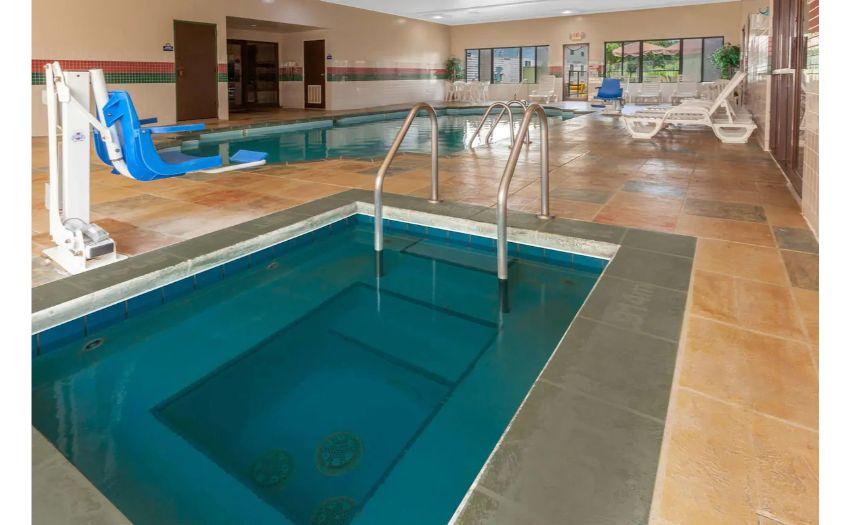 Days Inn * 66 Units * Interior Corridors * 2 Floors * Indoor Pool * Projected 2021 Revenue $725,000