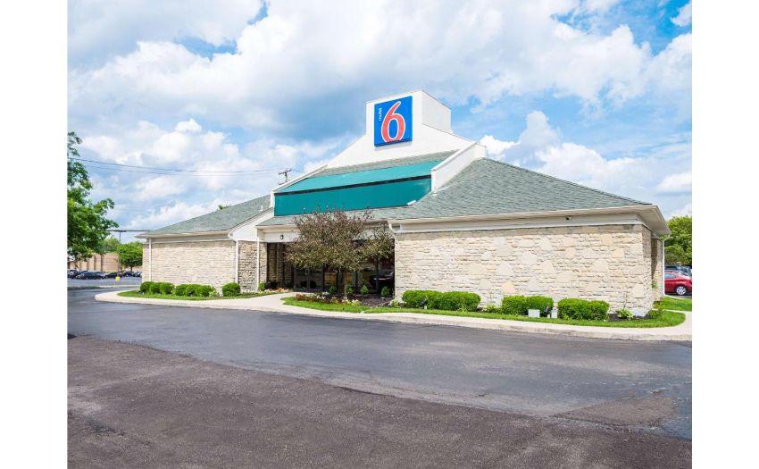 Motel 6 * 92 Units * Projected 2021 Revenue $1,527,770 * Located Near Ohio State University & 2 Hospitals